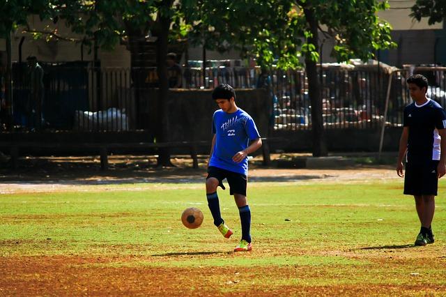 soccer-390559_640